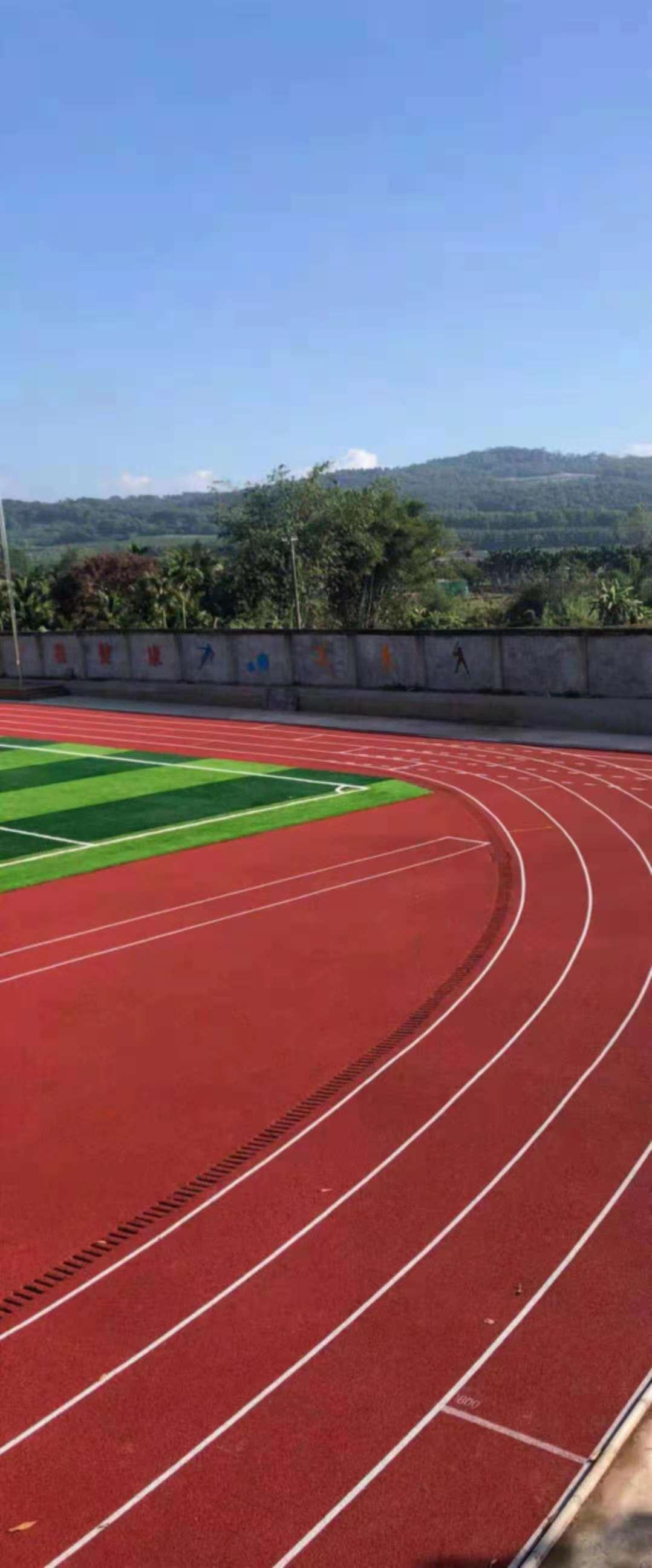 海南省白沙县白沙中学透气型跑道及人造草坪|塑胶跑道-惠州市泓冠达体育设施有限公司