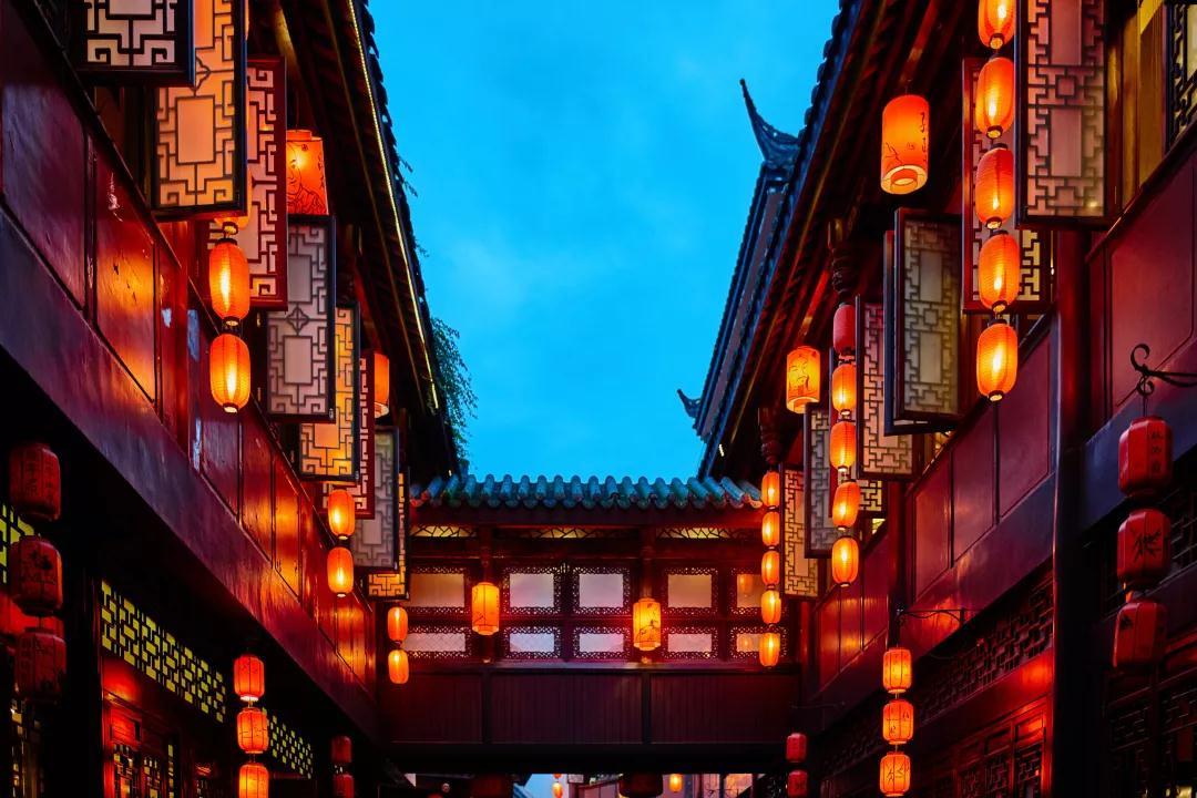 年在身边 味在蓉城