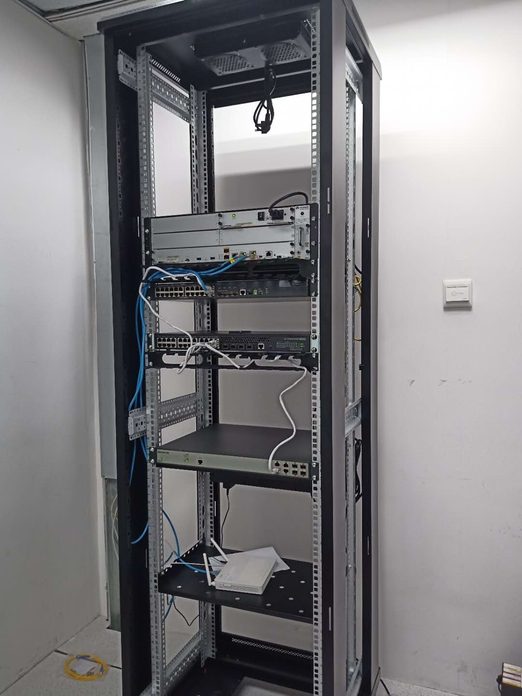 机房网络设备上架