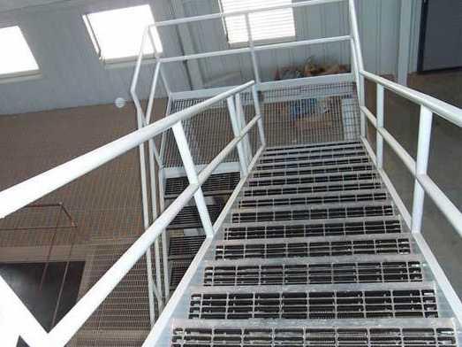 樓梯踏步板