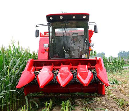 玉米秸秆青储机