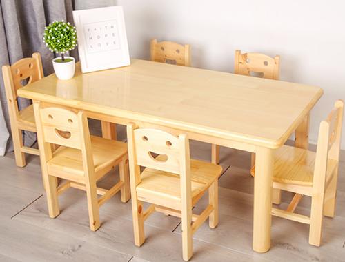 幼儿园餐桌