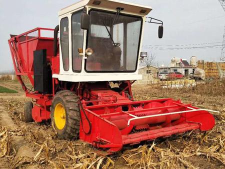 玉米收获青储机
