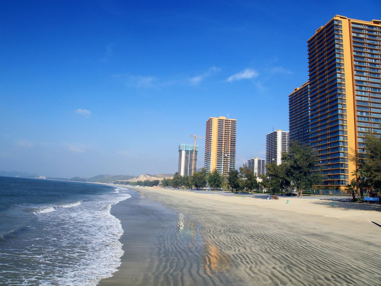 Where does Huizhou have the apartment near the seaside