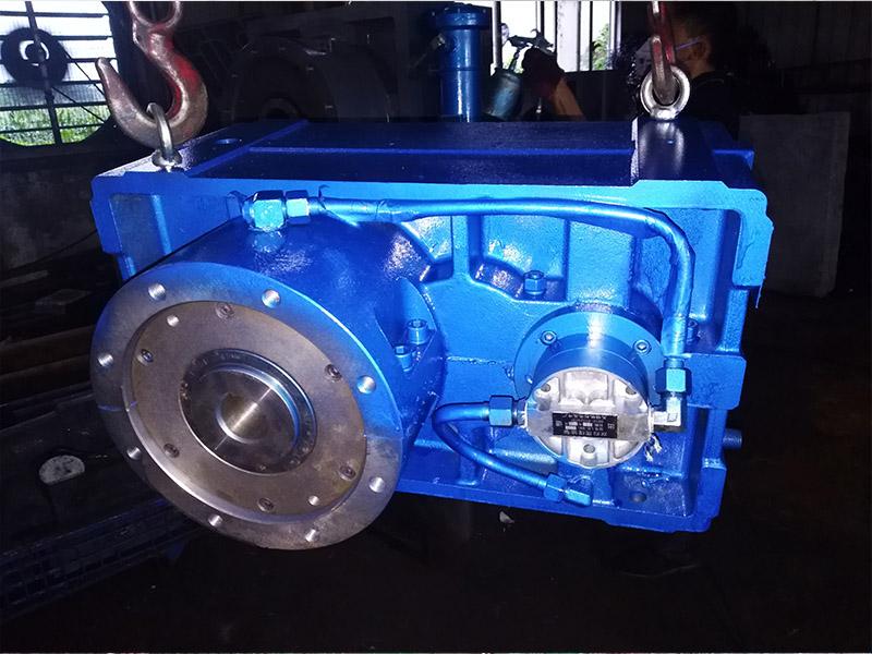 硬齿面齿轮箱ZLY146