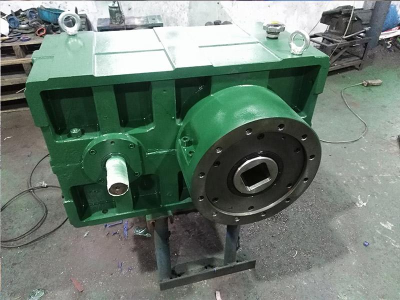 硬齿面齿轮箱ZLYJ180