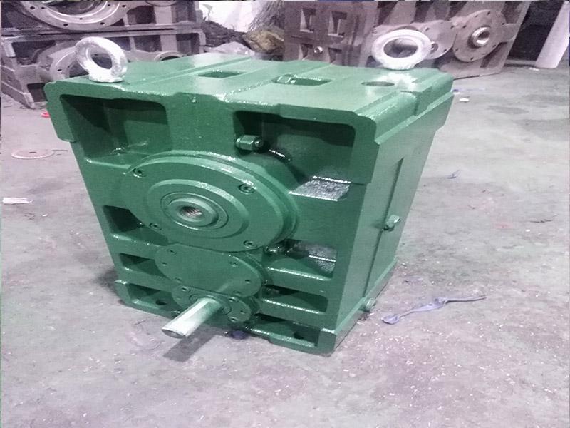 硬齿面齿轮箱ZLYJ200