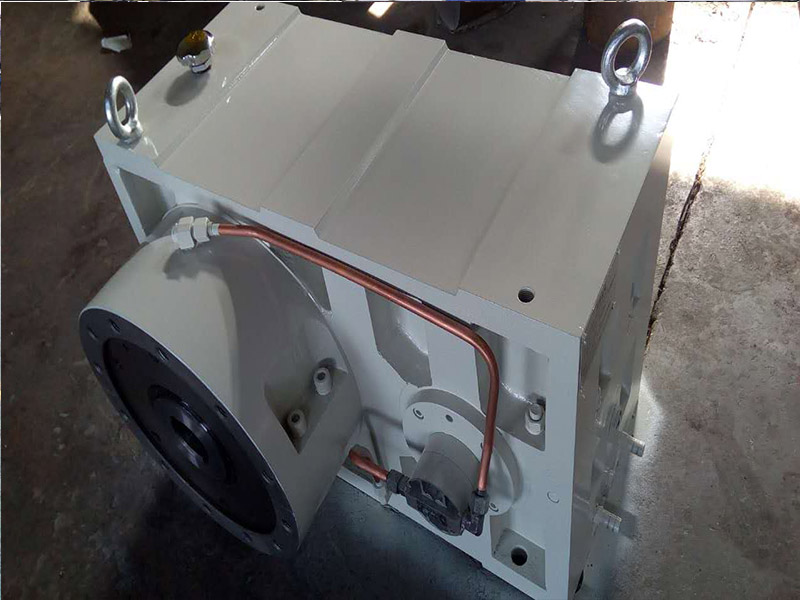 硬齿面齿轮箱ZLYJ225