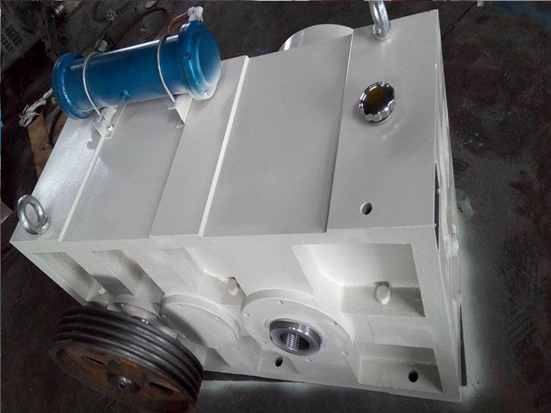 硬齿面齿轮箱ZLYJ315
