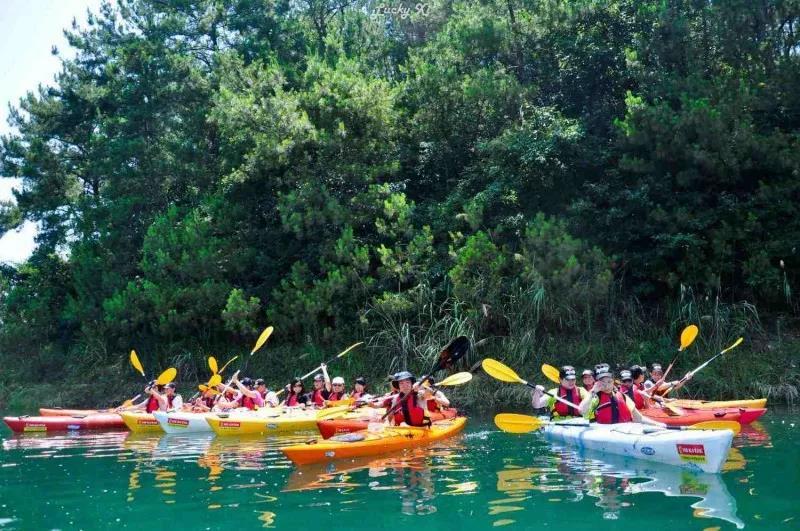 Outdoor development of Conghua canoe