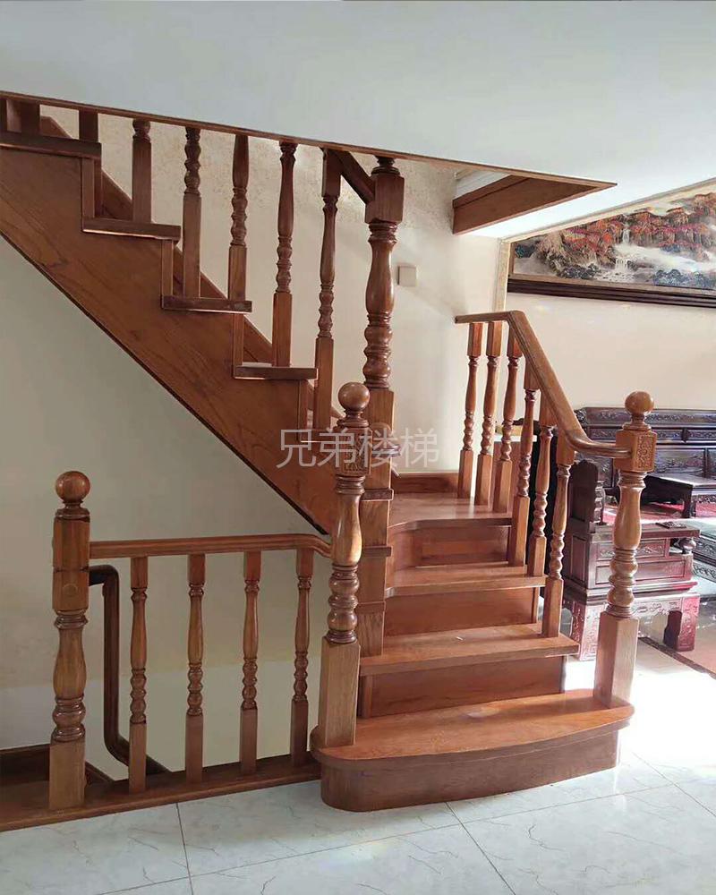 大连实木楼梯