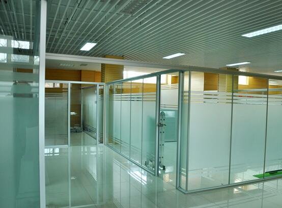白银钢化玻璃销售