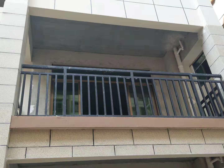 南宁锌钢阳台护栏