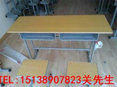 信阳双人学生课桌椅