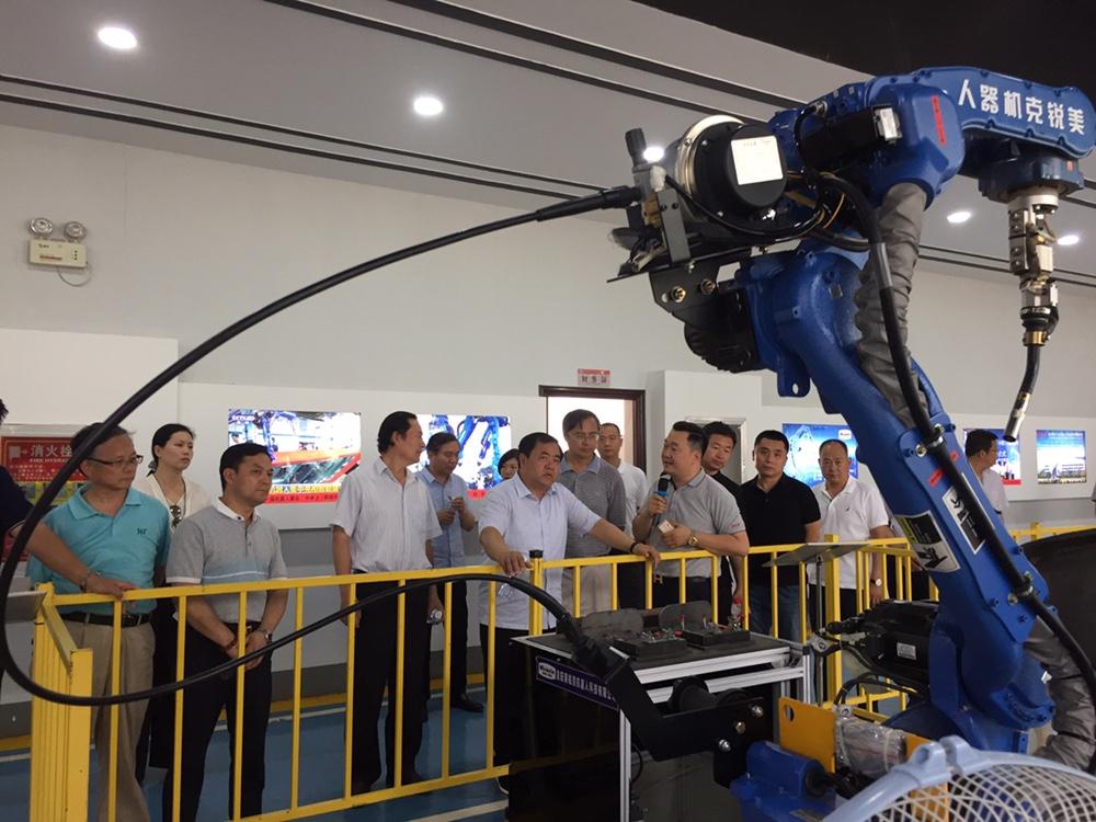 工業機器人智能化
