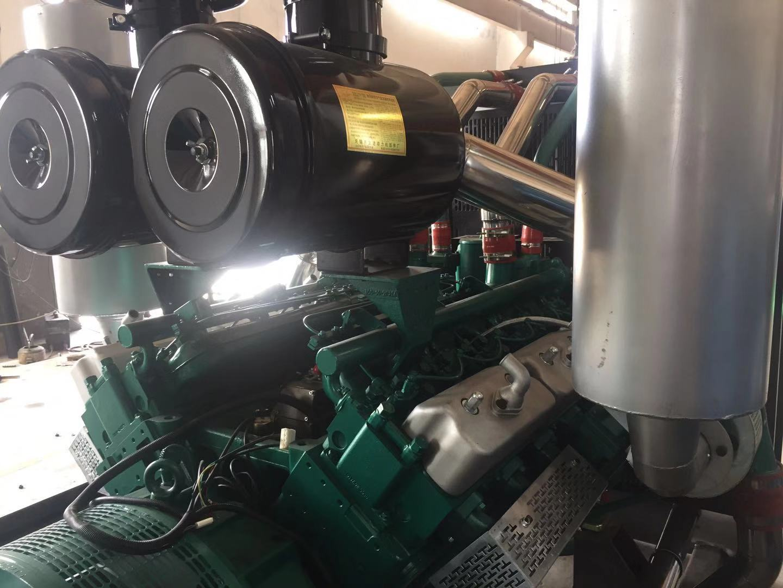 800KW柴油发电机组