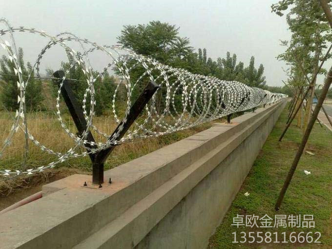 广西工业刺丝围栏网