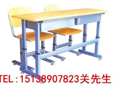 信阳课桌凳厂家
