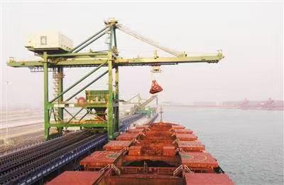 港口裝卸輸送機
