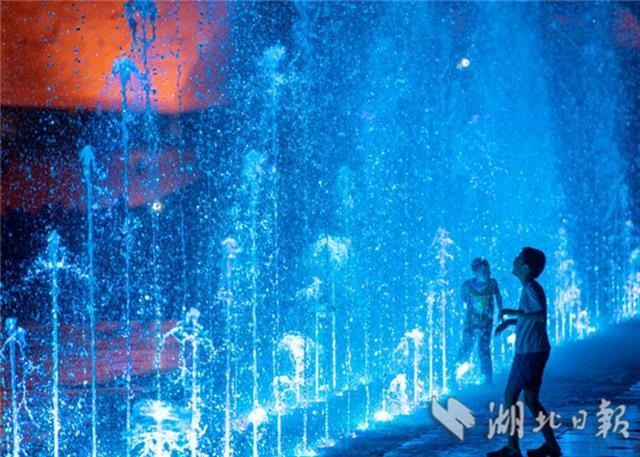 廣場旱式音樂噴泉