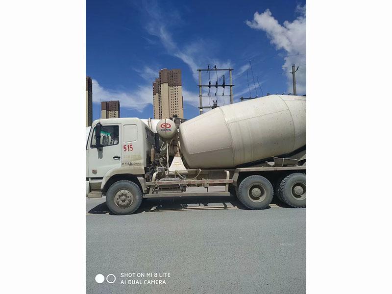 云南全新水泥泵车