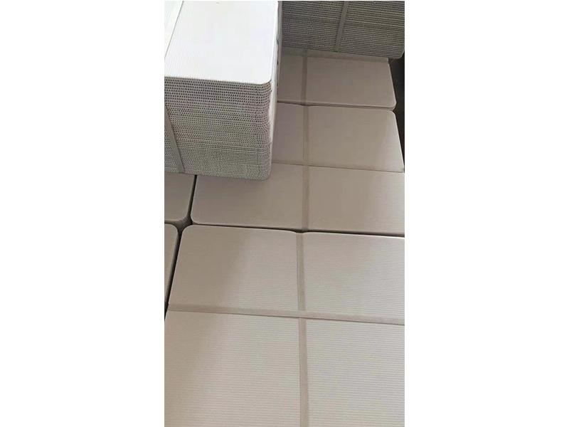 送餐盒衬板