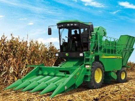 玉米自走式青储机