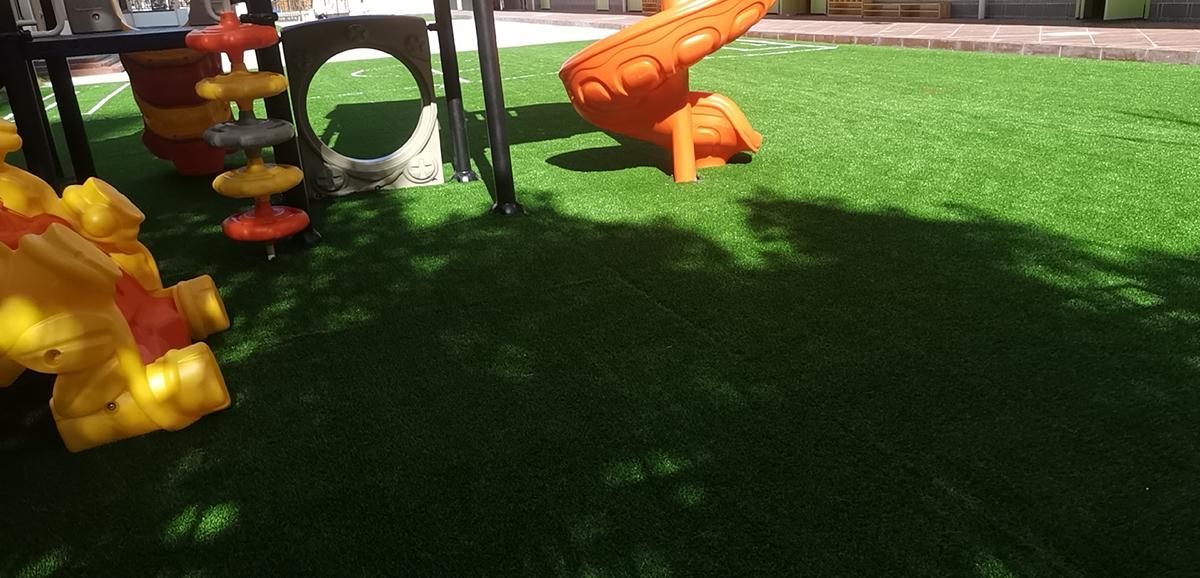 幼儿园人造草铺装