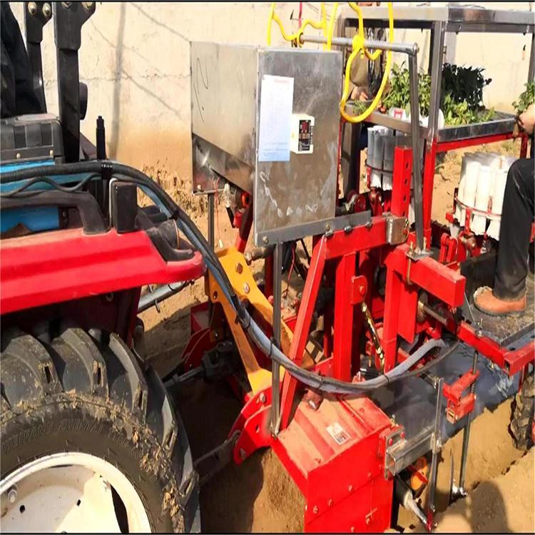 施肥、覆膜、铺滴灌浇水移栽一体机
