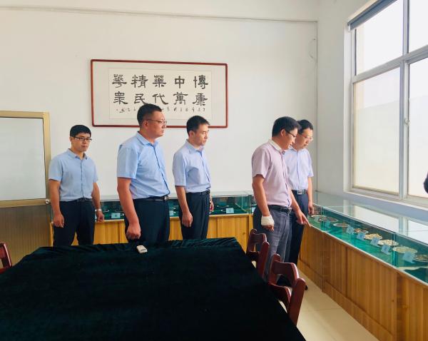 2019.7.31青州市卫建局领导参观考察公司