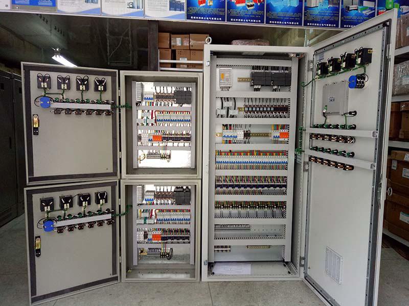 可编程控制柜