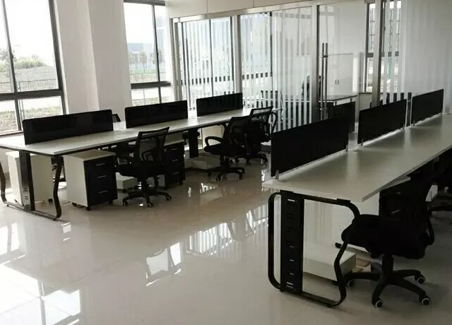 鄭州辦公室屏風桌