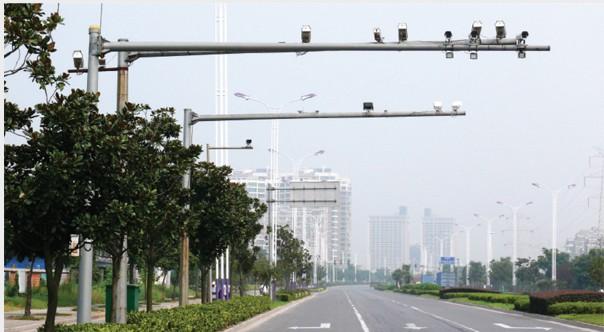 广西交通红绿灯杆