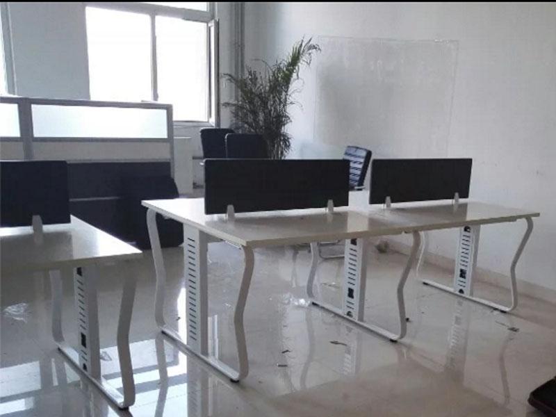 山東板式隔斷桌