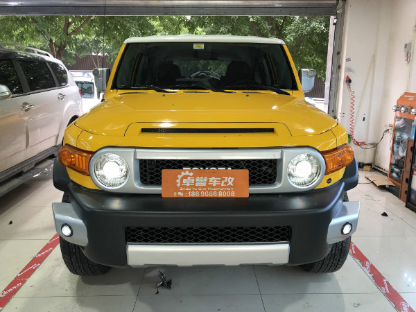 丰田 FJ酷路泽