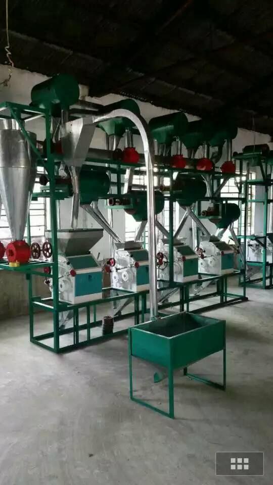 四台面粉机设备