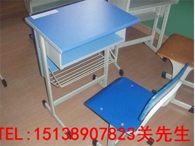 信阳中学生课桌椅