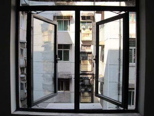 大连平开门窗的一些优点缺点