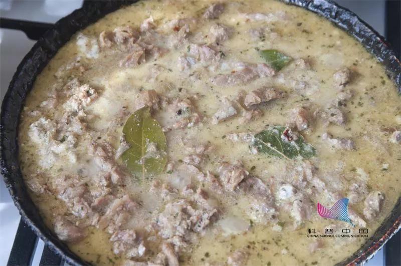 炖肉、煮豆浆时起的泡沫是精华还是脏东西?该不该撇?很多人做错了