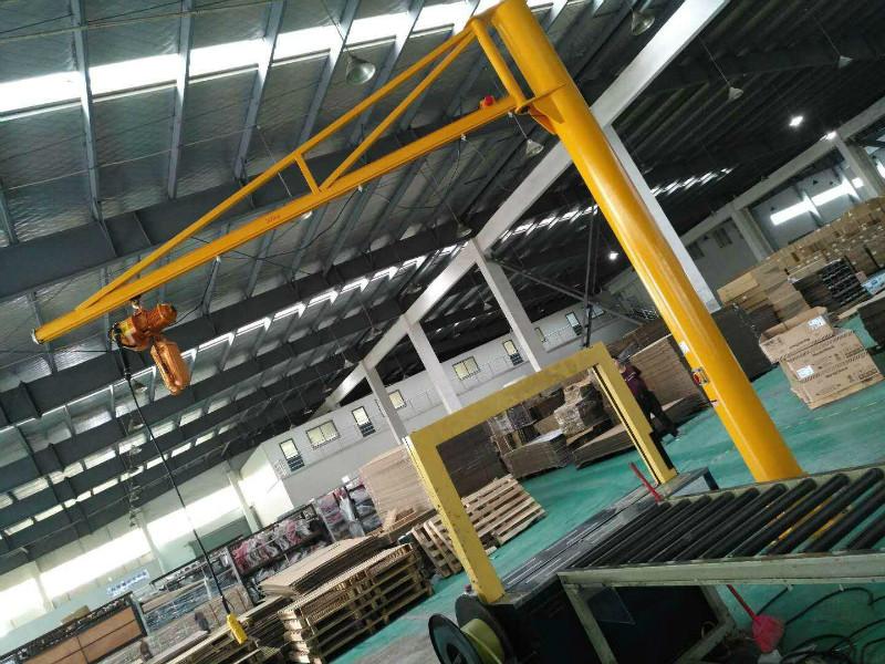 立柱式悬臂吊厂家