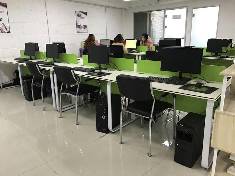 郑州现代电脑桌
