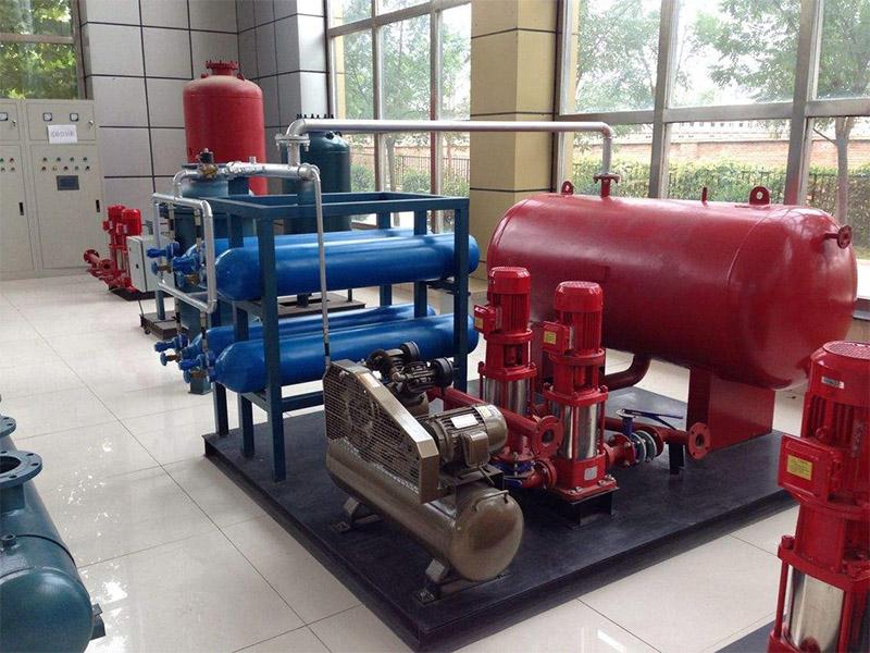 气体顶压给水设备