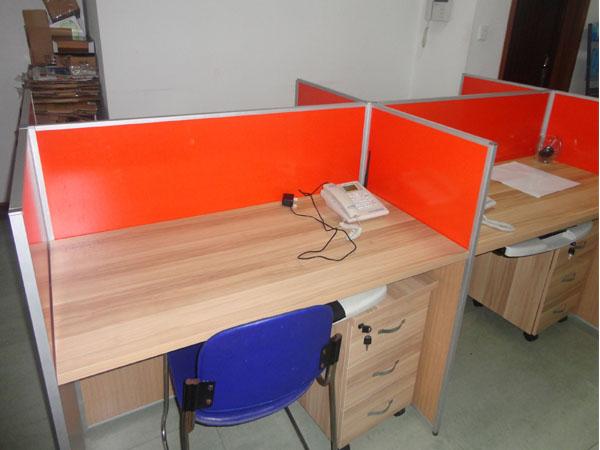南阳钢架办公桌