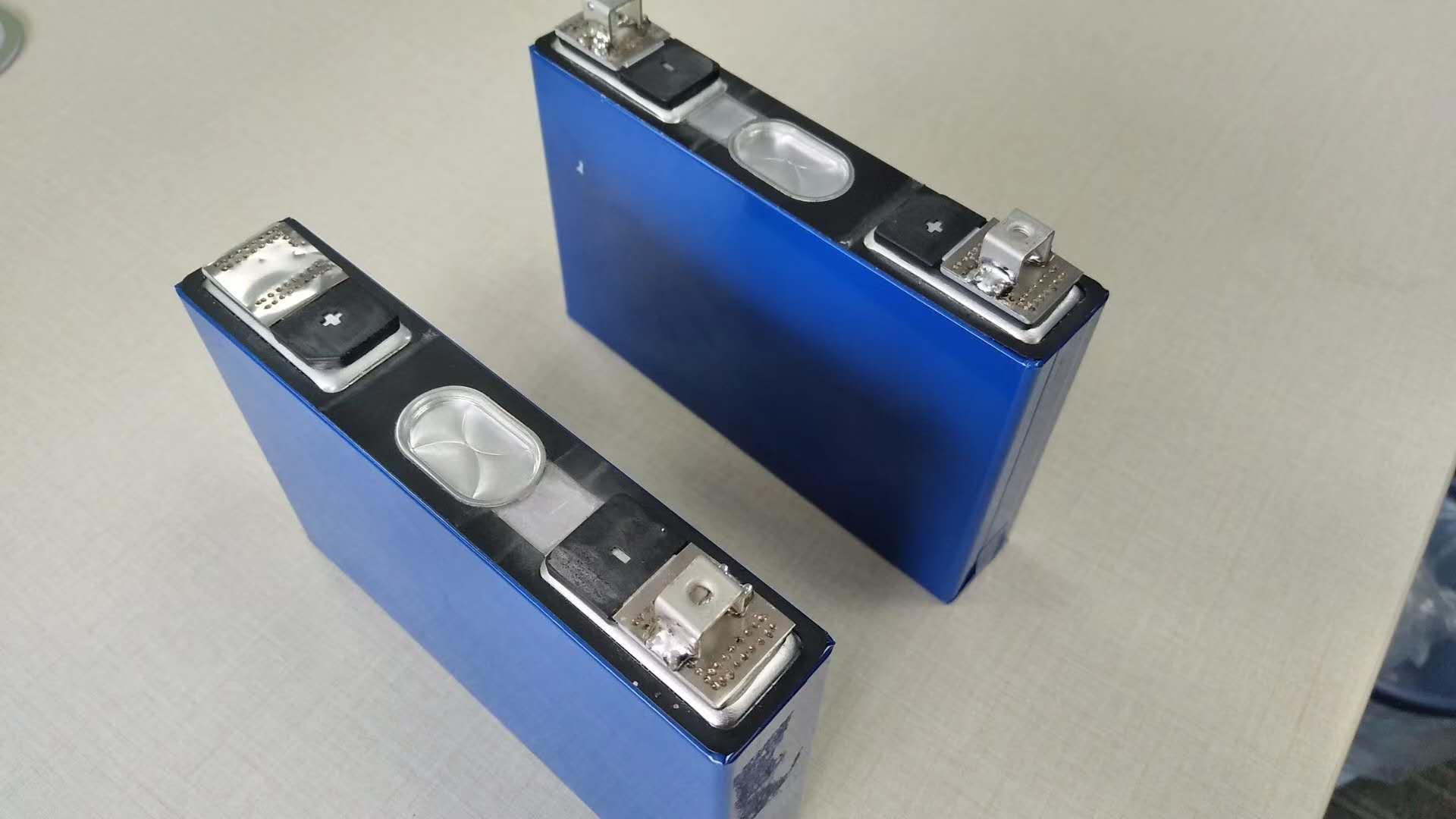 固态锂电池