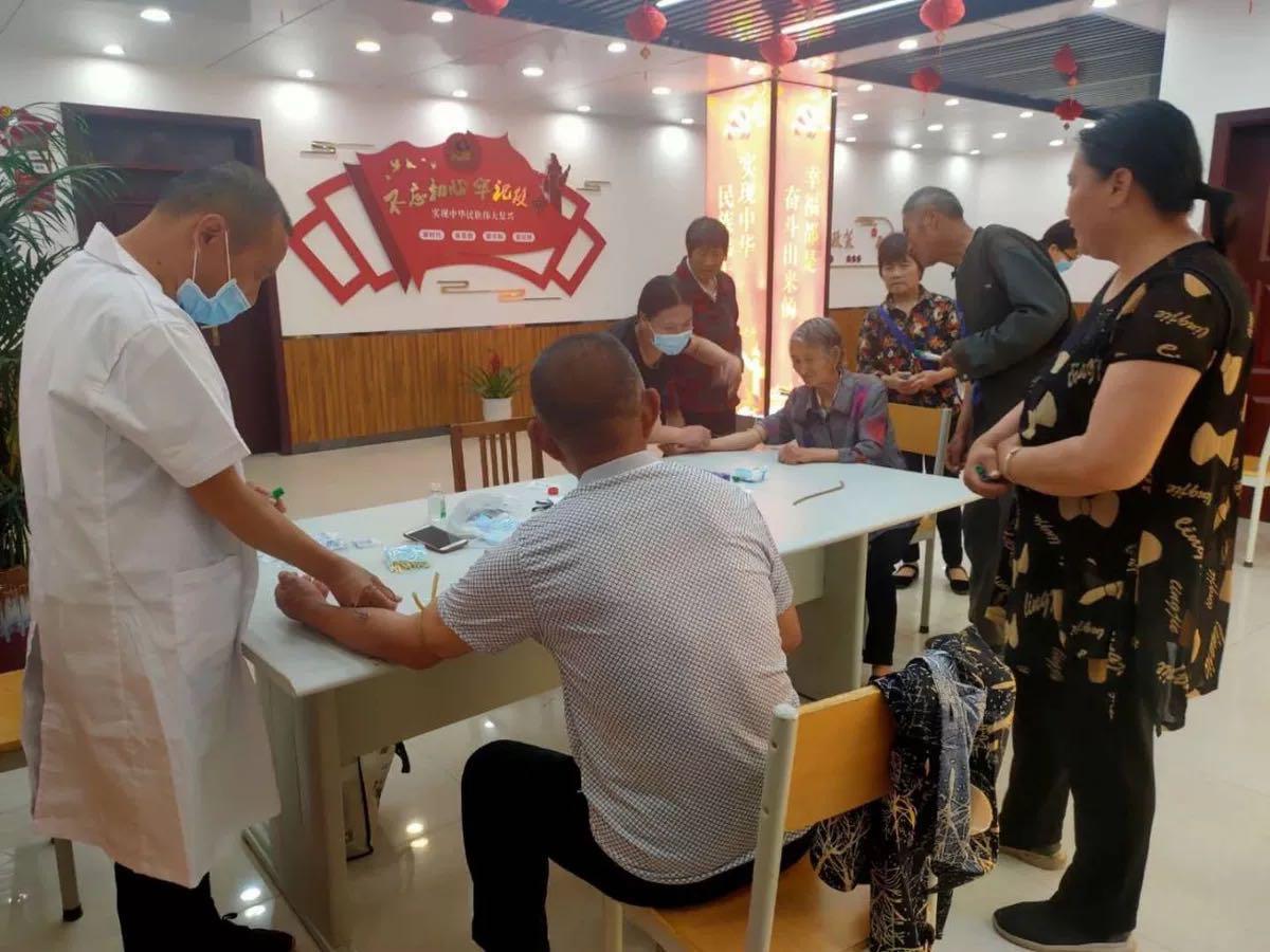 淇滨区科协科技工作者日进社区活动
