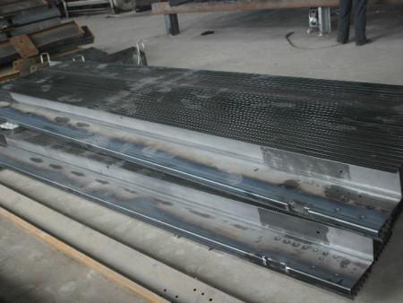 立體車庫載車板