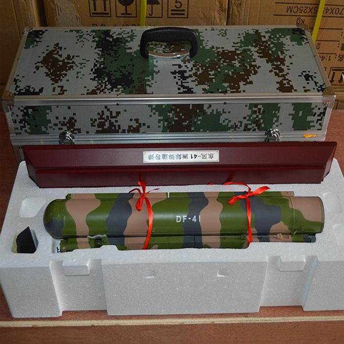 锦盒东风41发射车模型