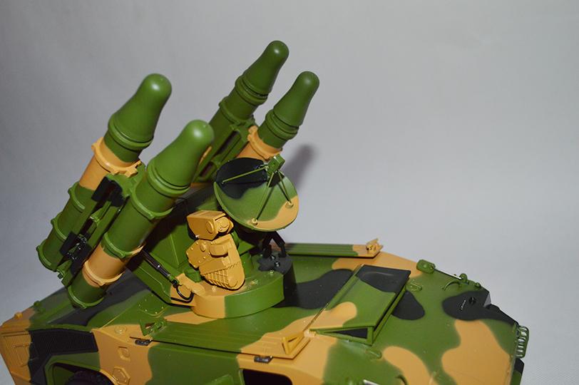 红旗7防空车模