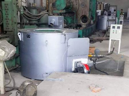 坩guo式燃气熔铝炉