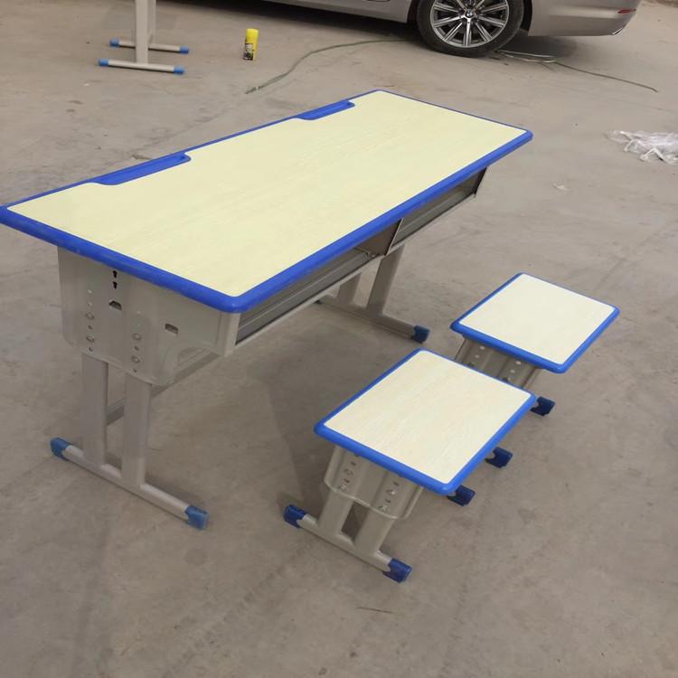 南陽塑料課桌椅